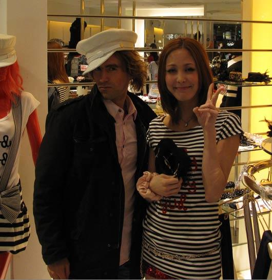 photo with 109 shibuya staff member