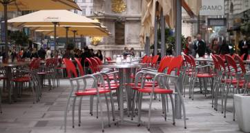 patio segafredo