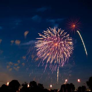 Cheapo Weekend for August 4/5: The Kanto Plains Alight, Festivals Raucous and Refined and a Central City Ocean Festival