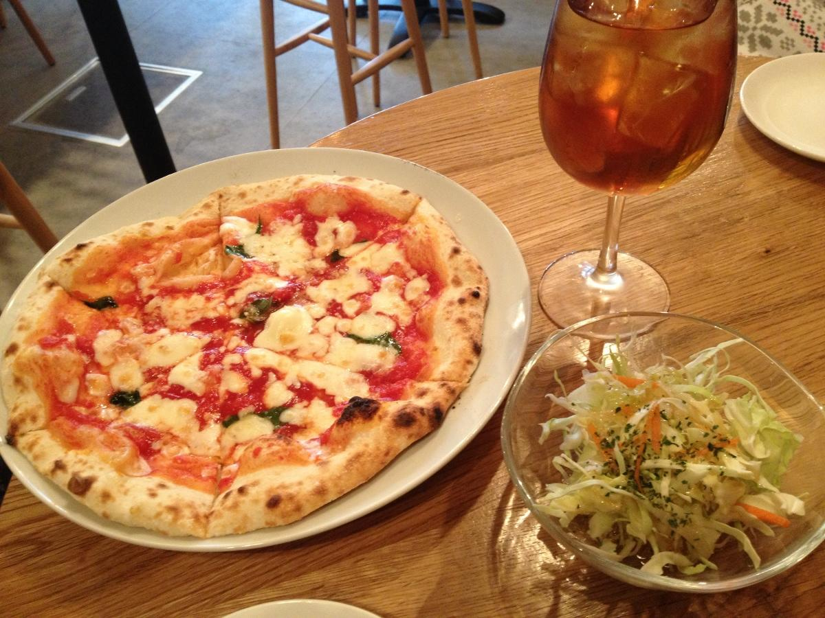 Pizzania - One Coin Pizza in Roppongi