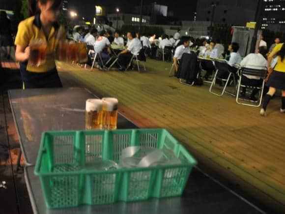 beer-garden-staff