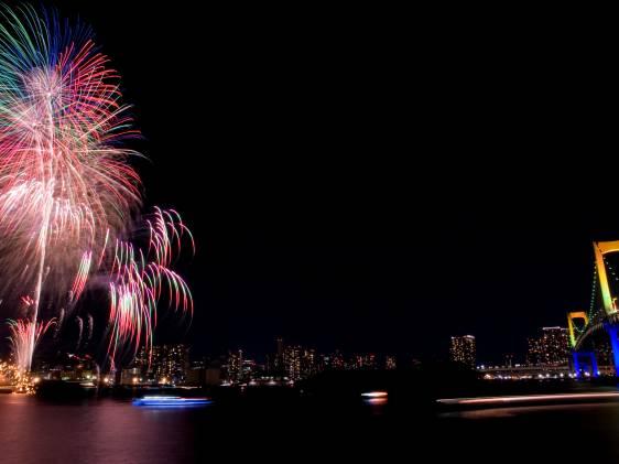 rainbow fireworks odaiba