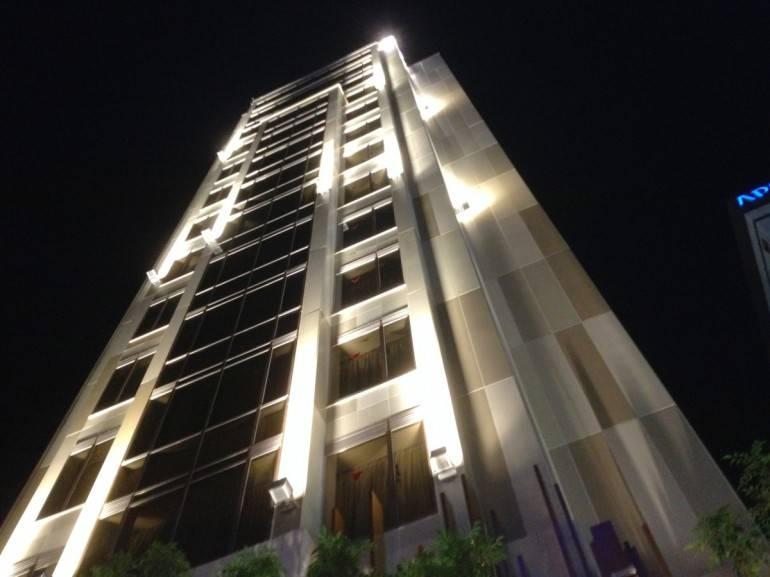 centurion_hotel_facade