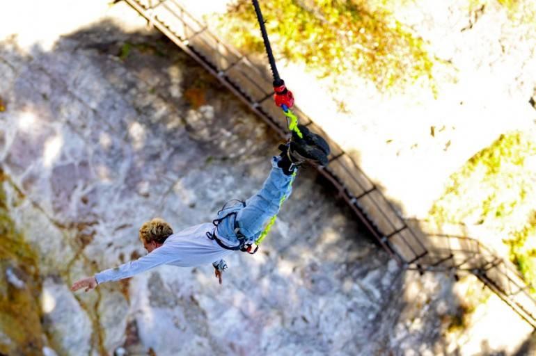 1 In free fall (1)