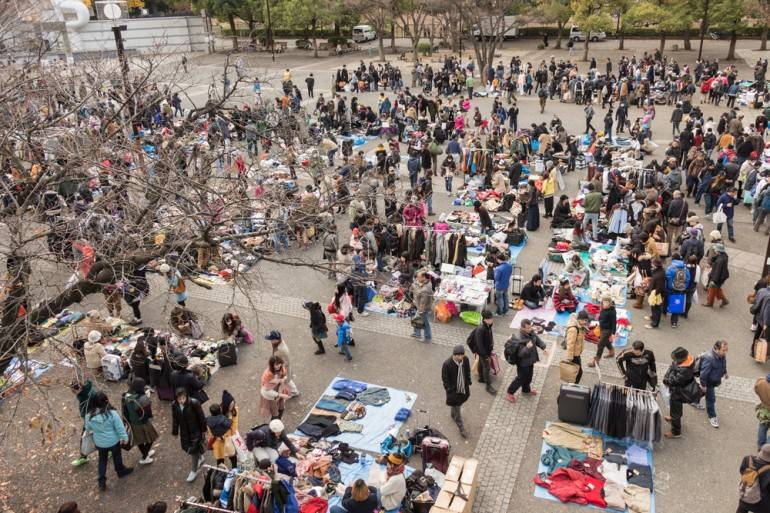 flea markets, a fun and cheap thing to do in Hrajuku
