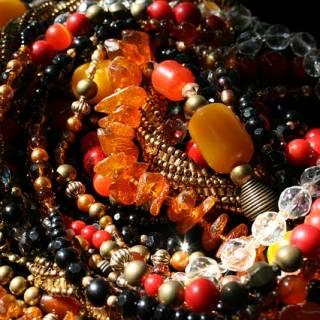 Beads of the World: Bunka Gakuen Costume Museum
