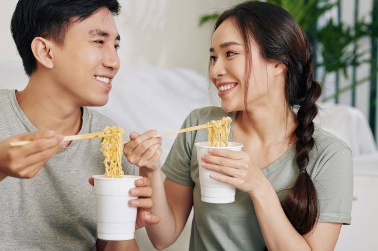 Cup Noodles couple