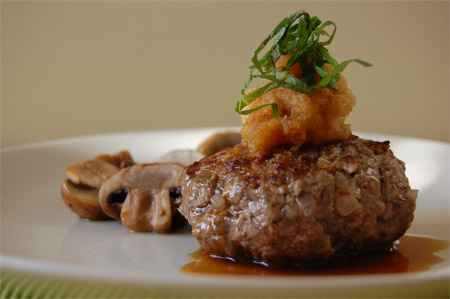How to Make a Light, Cheapo Japanese Hamburg Steak