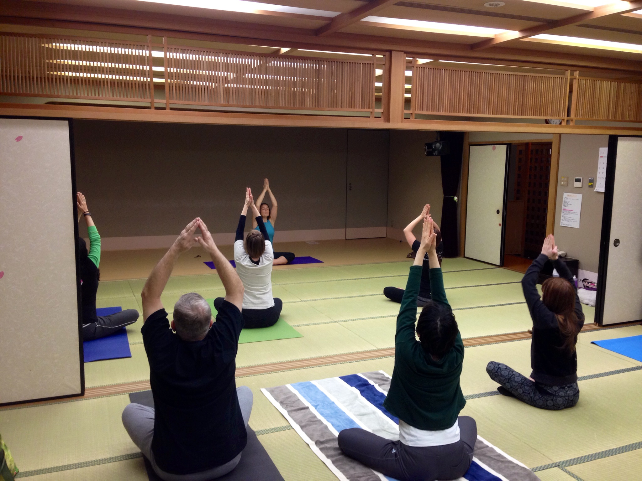 "Yoga Time with ""Butthole Sensei"": Cheap Tokyo Yoga Classes at Community Gyms"