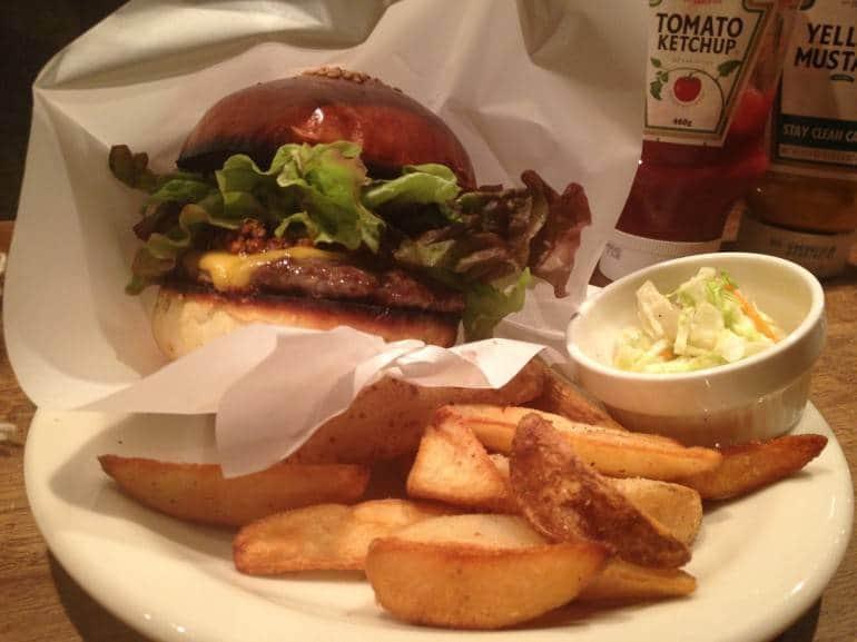 418 Kamiyama's Chili Cheeseburger.
