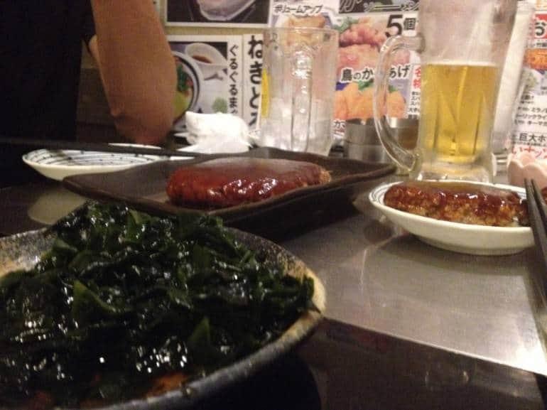 A Fuji sized plate of wakame and the beef hamburg.
