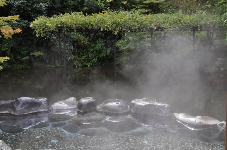 Onsen in Tokyo - rotemburo take no yu
