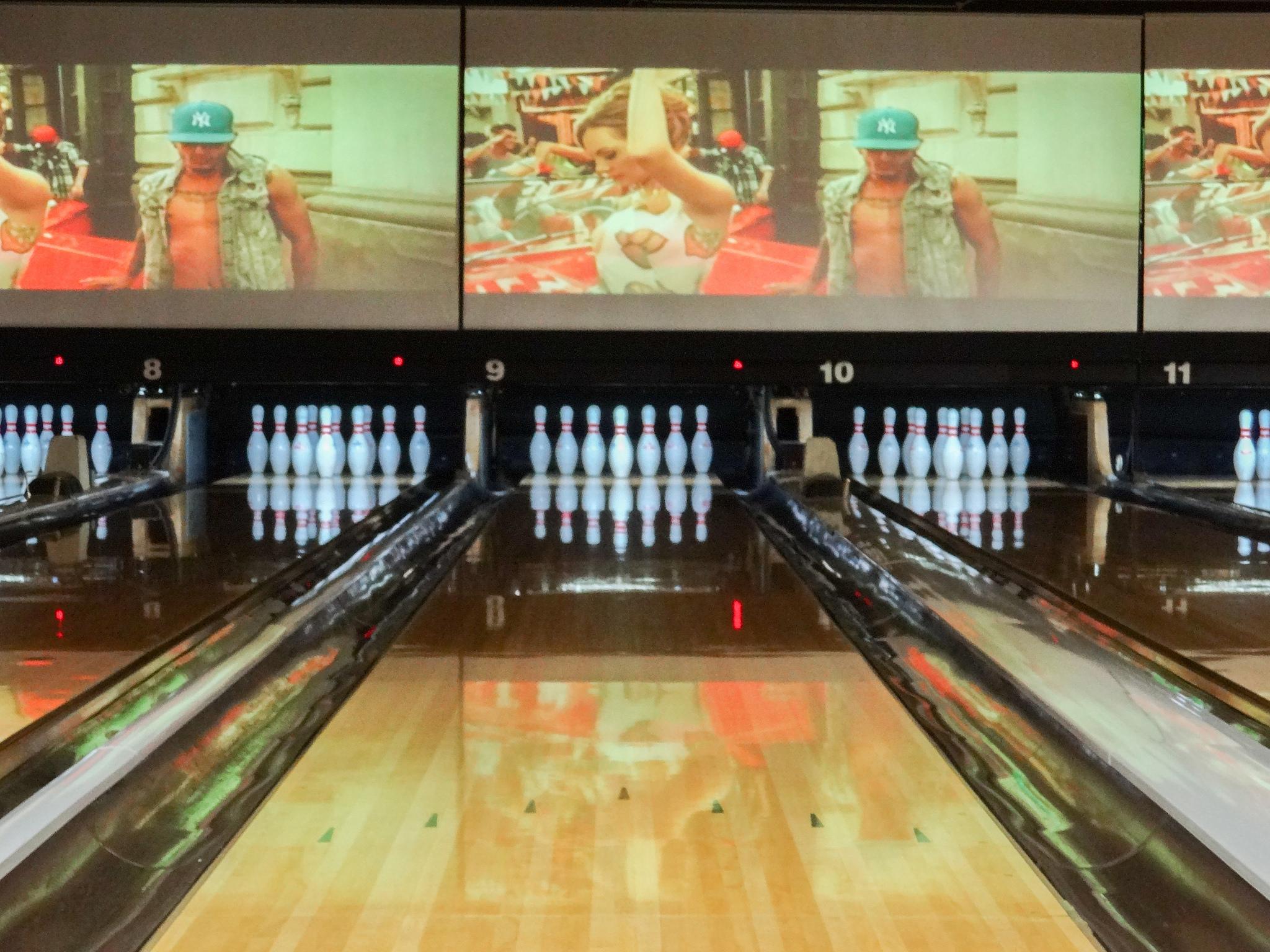 Knock em Dead Tokyo Bowling