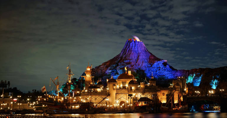 cheap hotels near tokyo disney - night scene