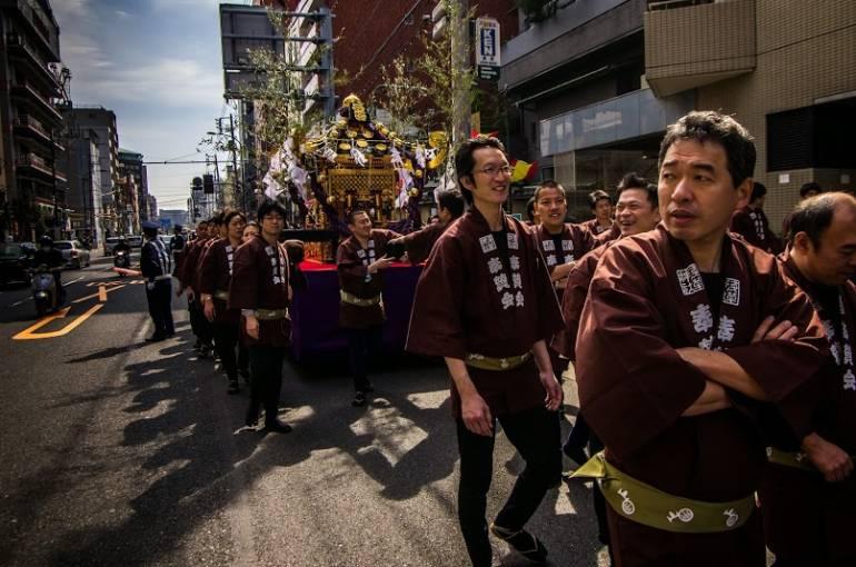 Asakusa Golden Dragon Dance 11