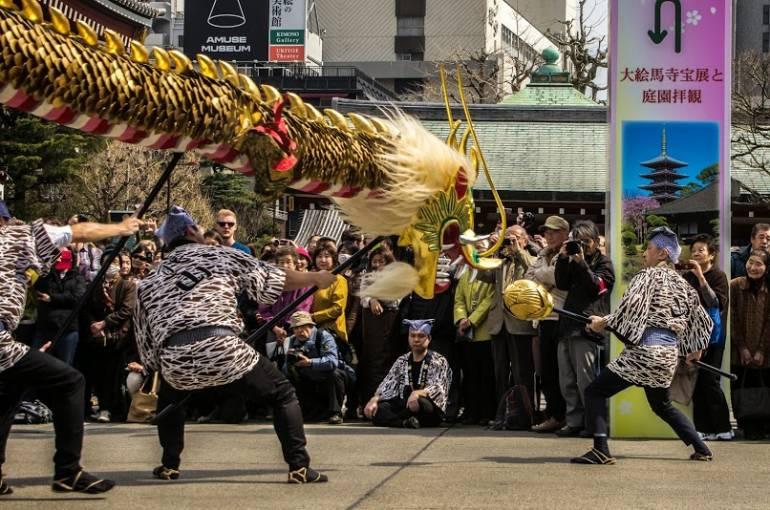 Asakusa Golden Dragon Dance 6