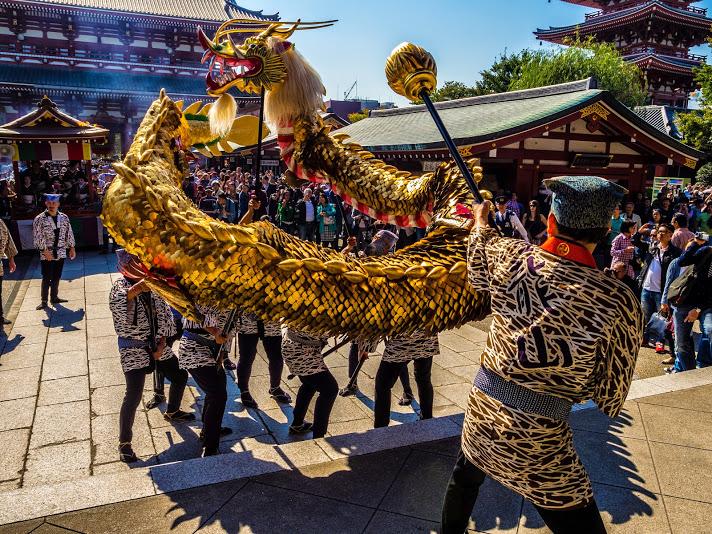 Asakusa Golden Dragon Dance 4