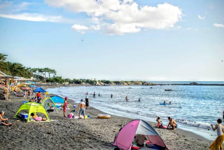 tokyo beach hayama