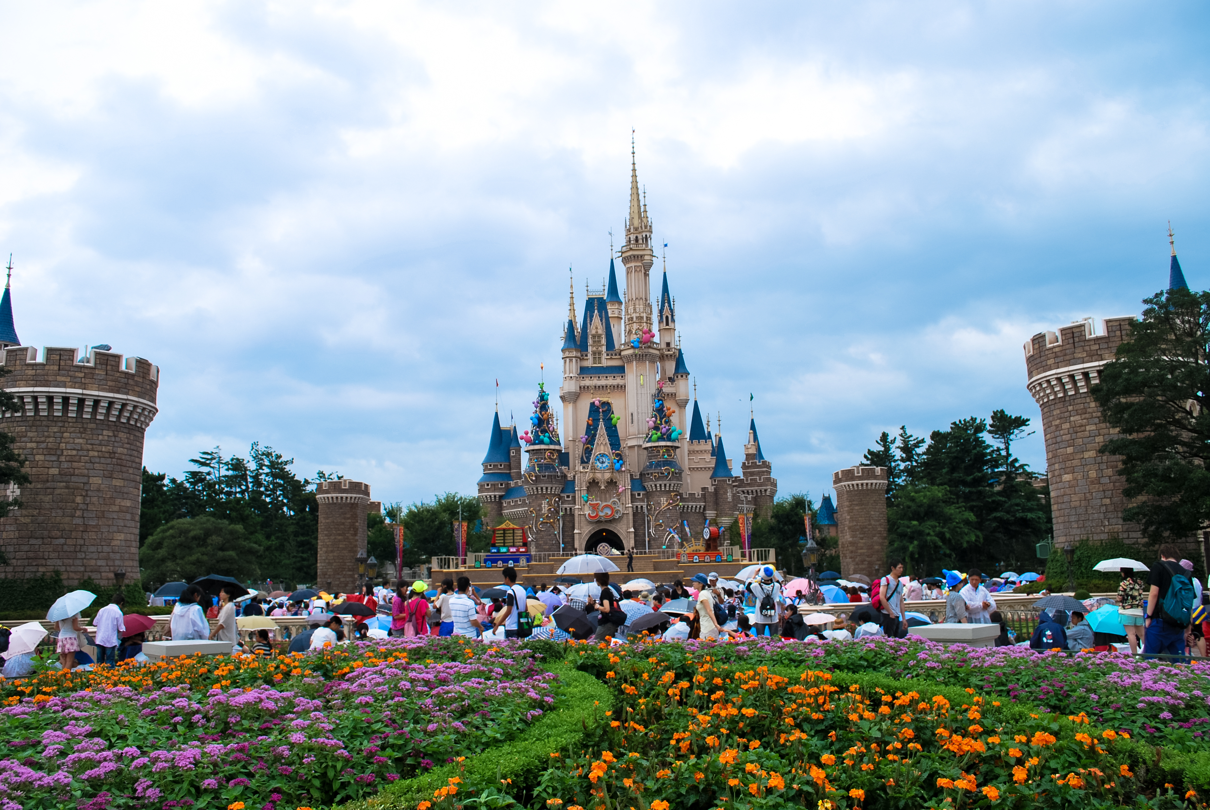 "One Reply to ""Here's what military families should know before visiting Tokyo Disney and DisneySea"""