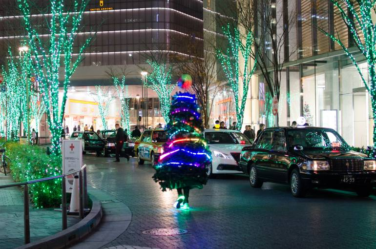 running christmas tree