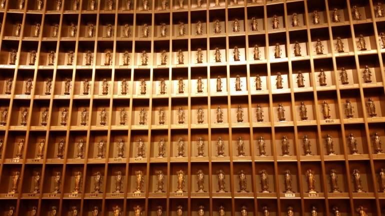 3300 Buddhas