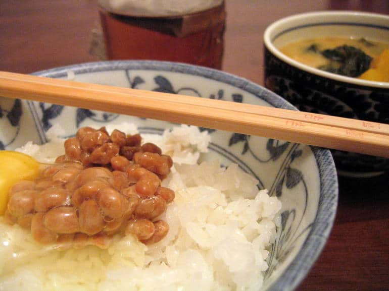 chopsticks and rice - Japanese dining tips