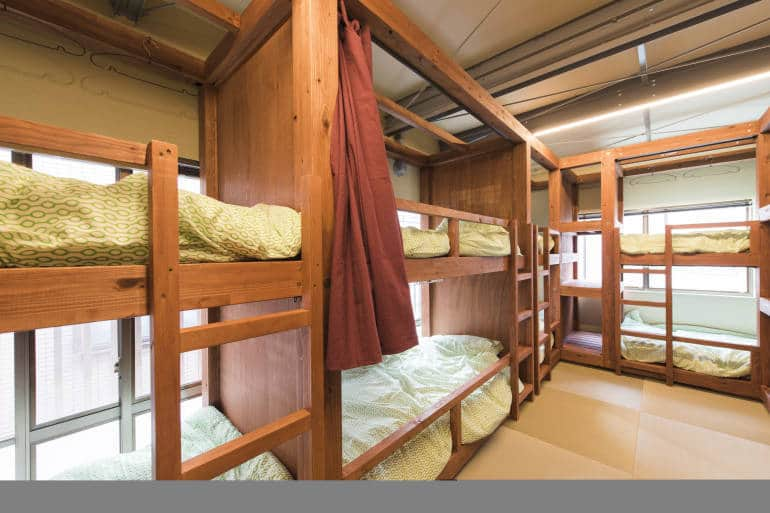 Light and sunny bunk bed room