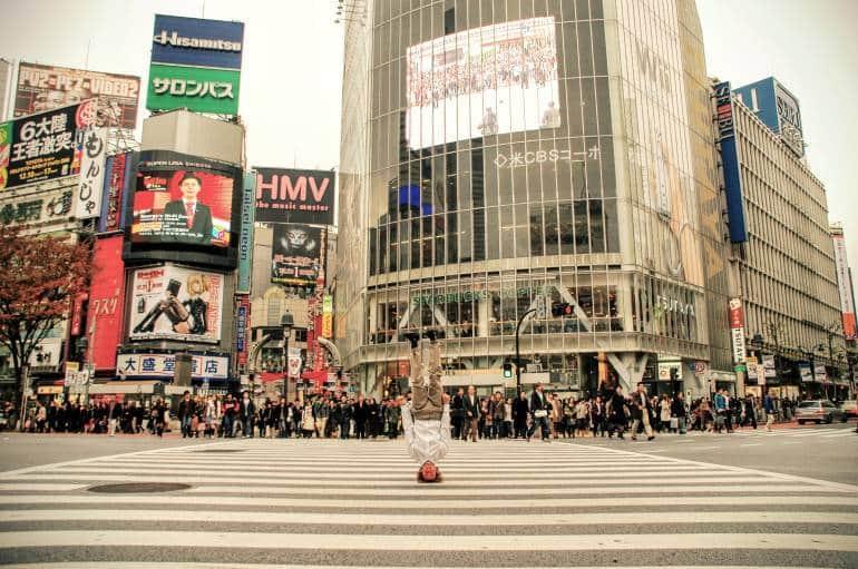 Shibuya headstand