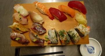 viator-sushi-photo