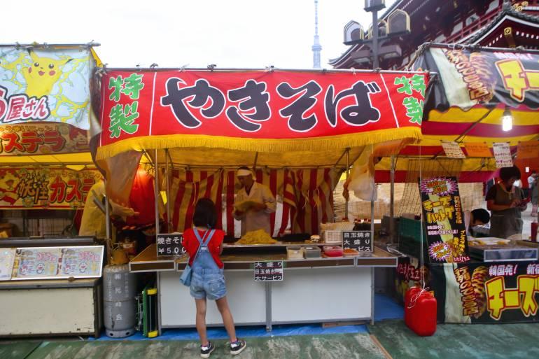 Yakisoba stall near Snnsoji temple