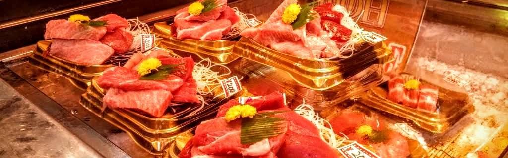 Fresh and Cheap Tuna Sashimi Lunch in Tsukiji's Outer Market