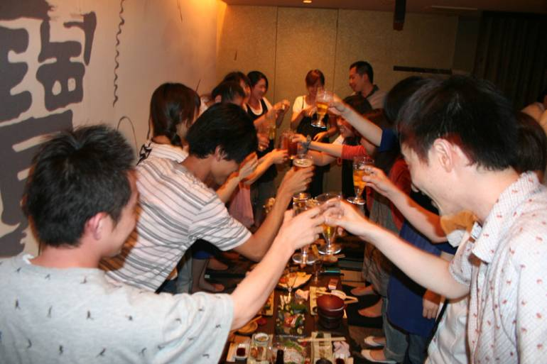 Kampai - drinking in japan