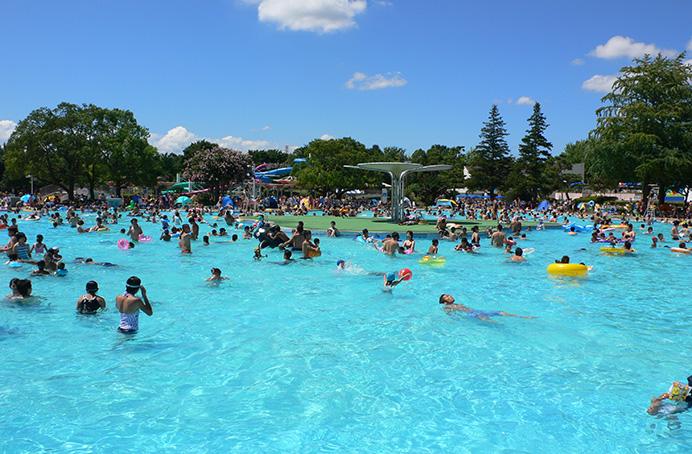 Show Kinen Park Rainbow Pool