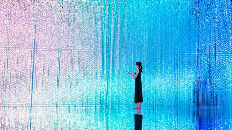 wander through the crystal universe