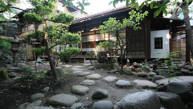 tokyo hostels