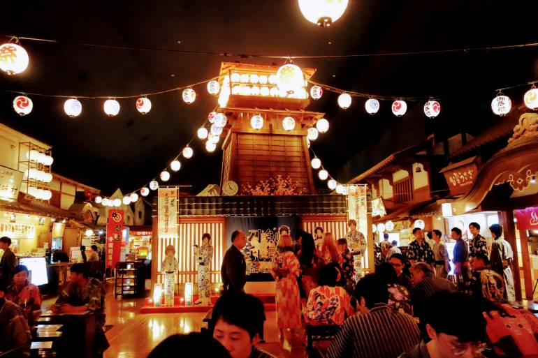 tokyo odaiba Oedo Onsen Monogatari Hall