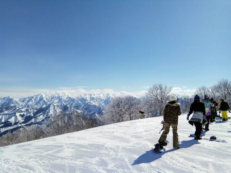 Snow and skiiers at Gala Yuzawa