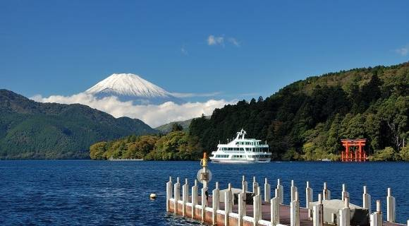 Mt. Fuji Tour Including Hakone and Lake Ashi Cruise