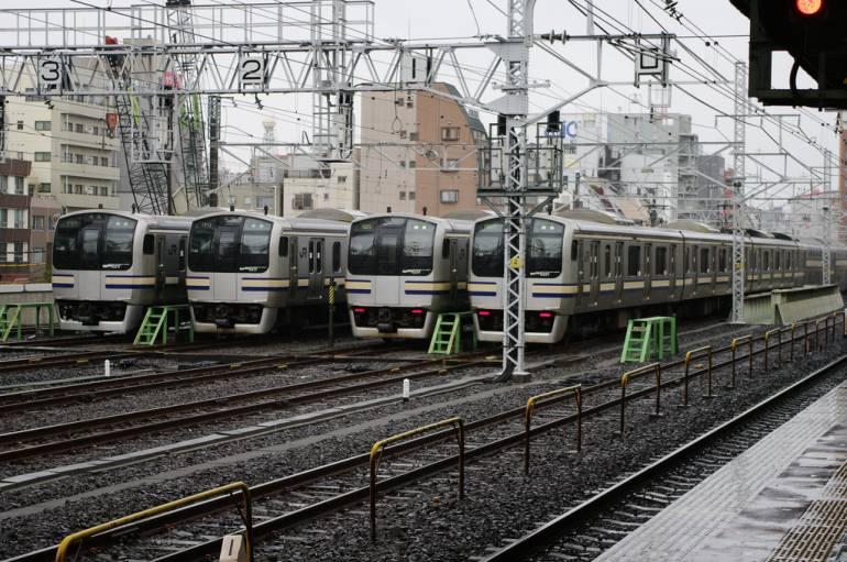 JR Tokyo trains at Kinshicho