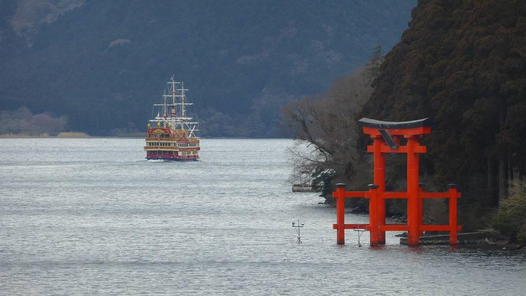 Hakone lake and shrine
