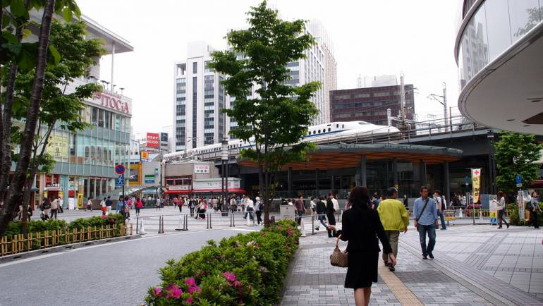 Tokyo trainspotting guide choose your views tokyo cheapo tokyo trainspotting in the yurakucho station area fandeluxe Document