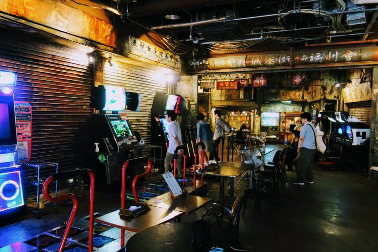 Anata no Warehouse The Dystopian Arcade Just for Adults