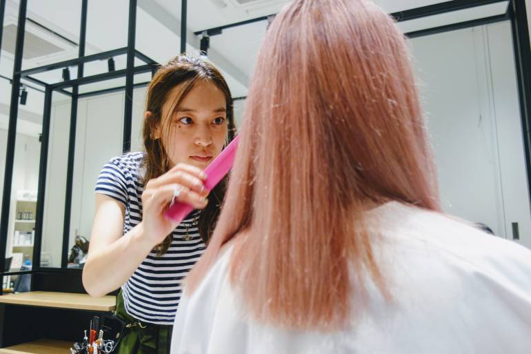 Ai Nomura English Speaking Hairdresser