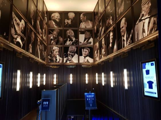 The entrance lobby of Blue Note