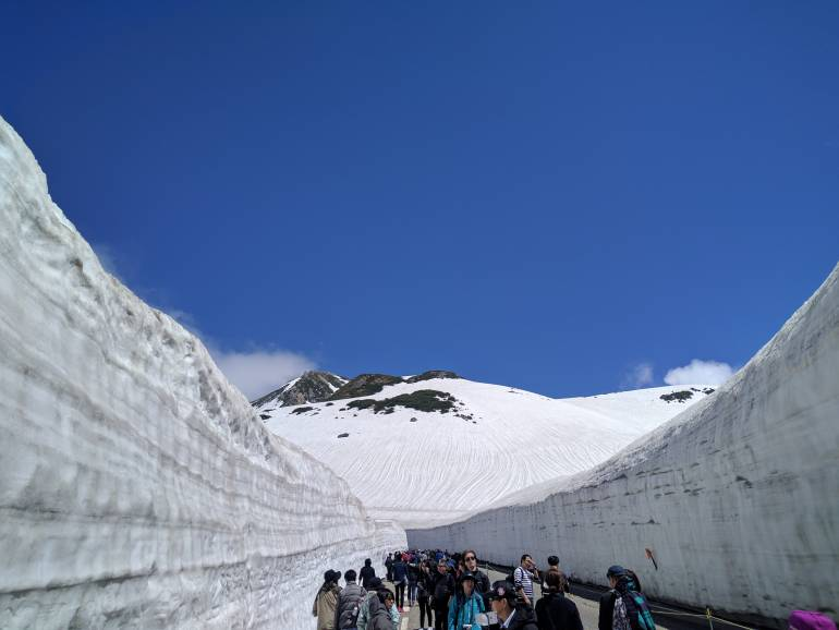tateyama snow wall japan winter activities