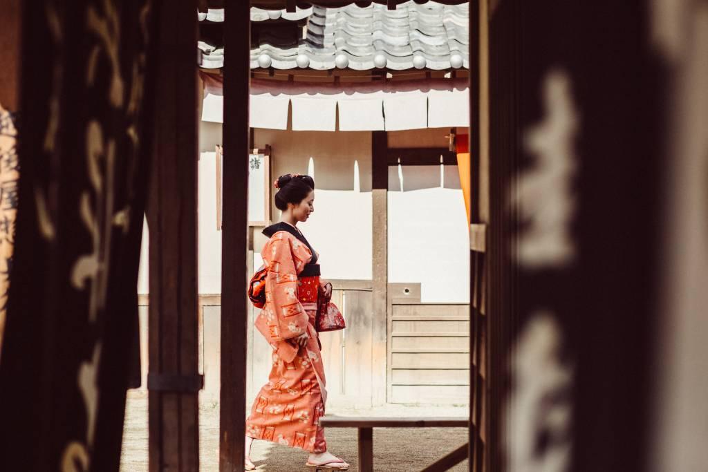 Kimono wearing Geisha