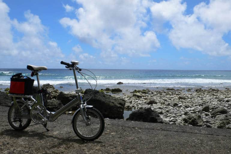 hachijojima beach with bicycle