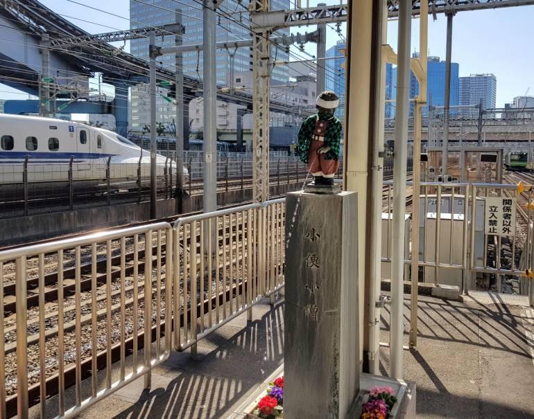Manneken-Pis-at-Hamamatsucho-Station tokyo statues