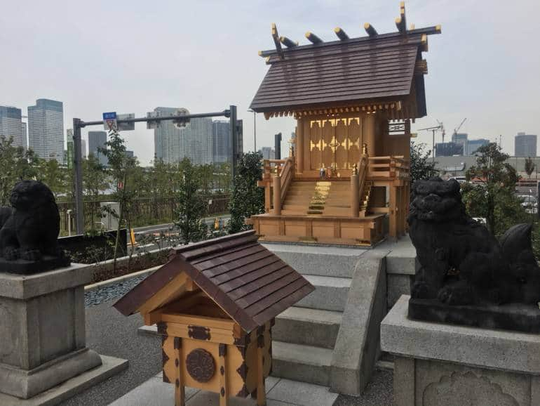 toyosu fish market shrine