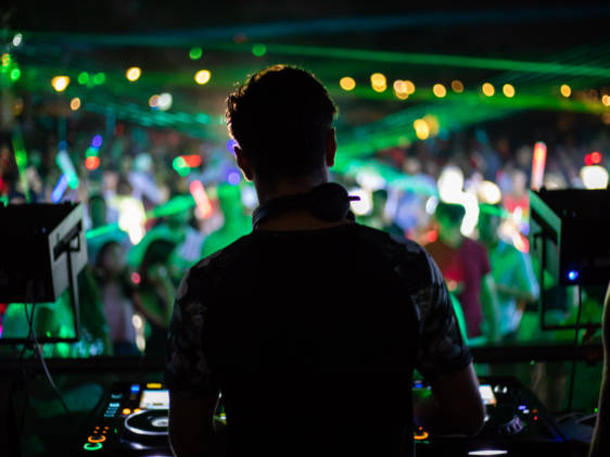 Club DJ for NYE